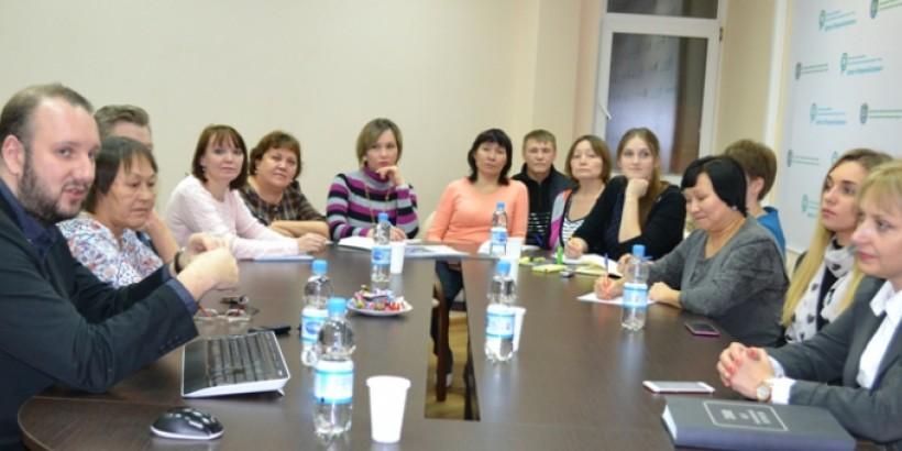 Сотрудники национальной редакции на семинаре с Романом Серебряным